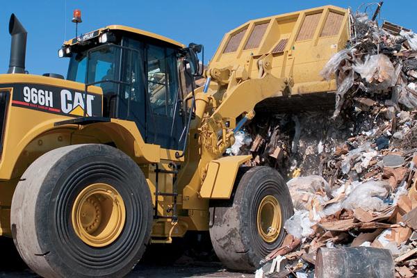 Cat Wheel Loader Pushing Waste