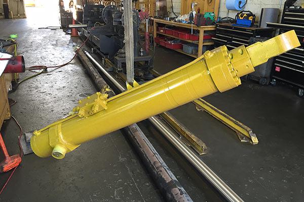 Yellow Hydraulic Cylinder Refurbished
